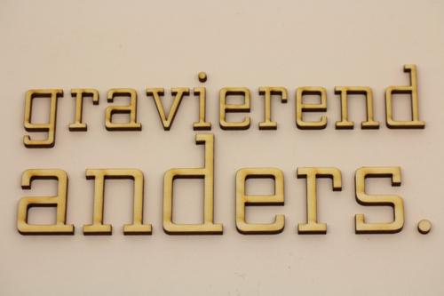 Laserschnitt von Buchstaben für Werbetechnik u.ä.