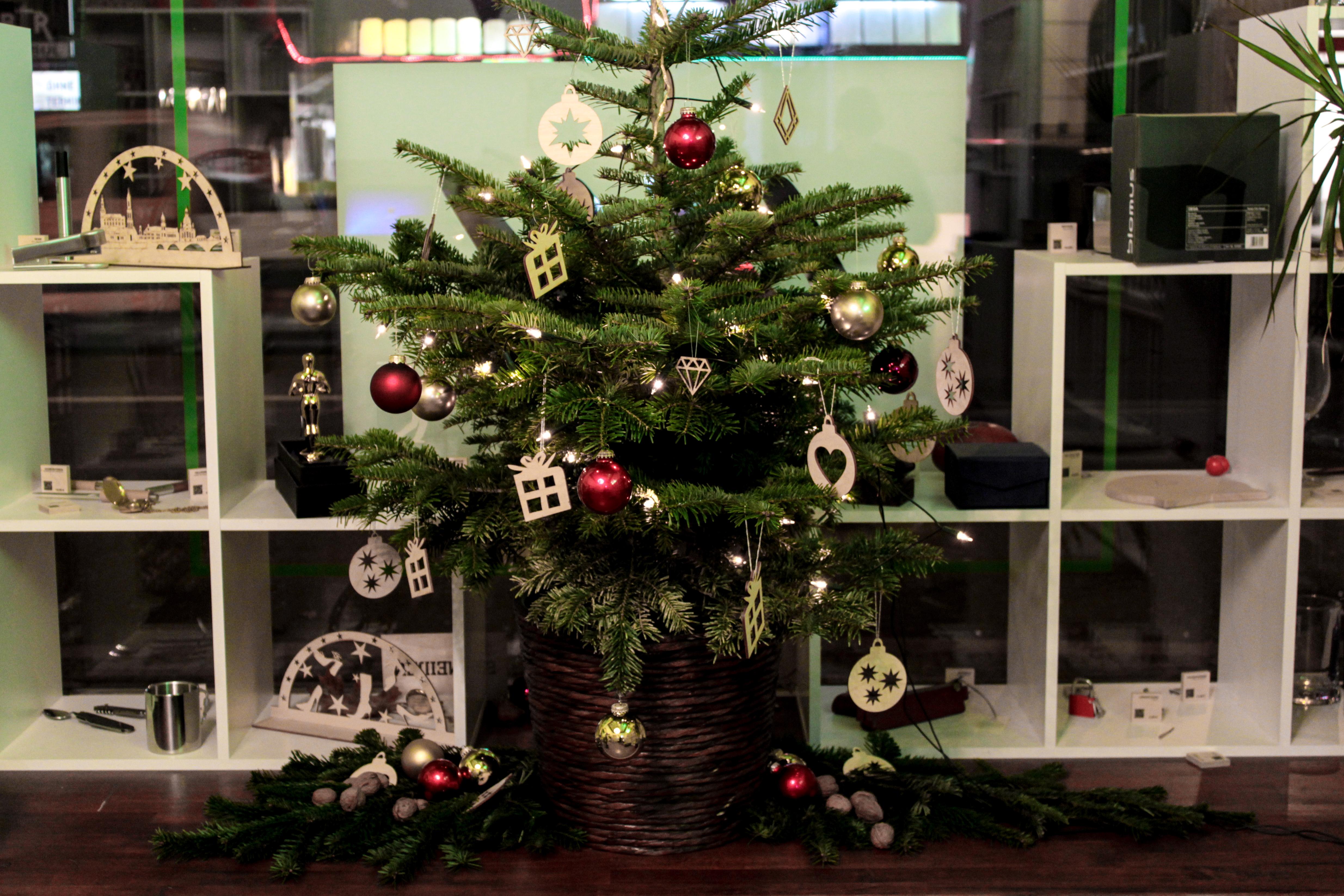 christmas is coming signuu schm ckt den weihnachtsbaum signuu blog. Black Bedroom Furniture Sets. Home Design Ideas