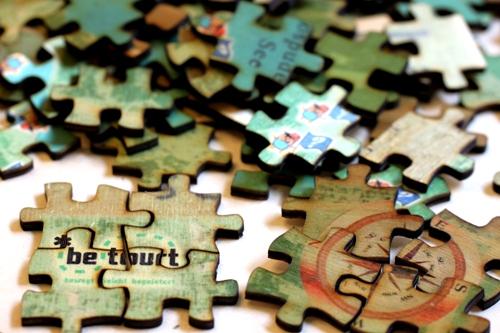 Laserschnitt-Holz-Puzzle-betourt-3.jpg